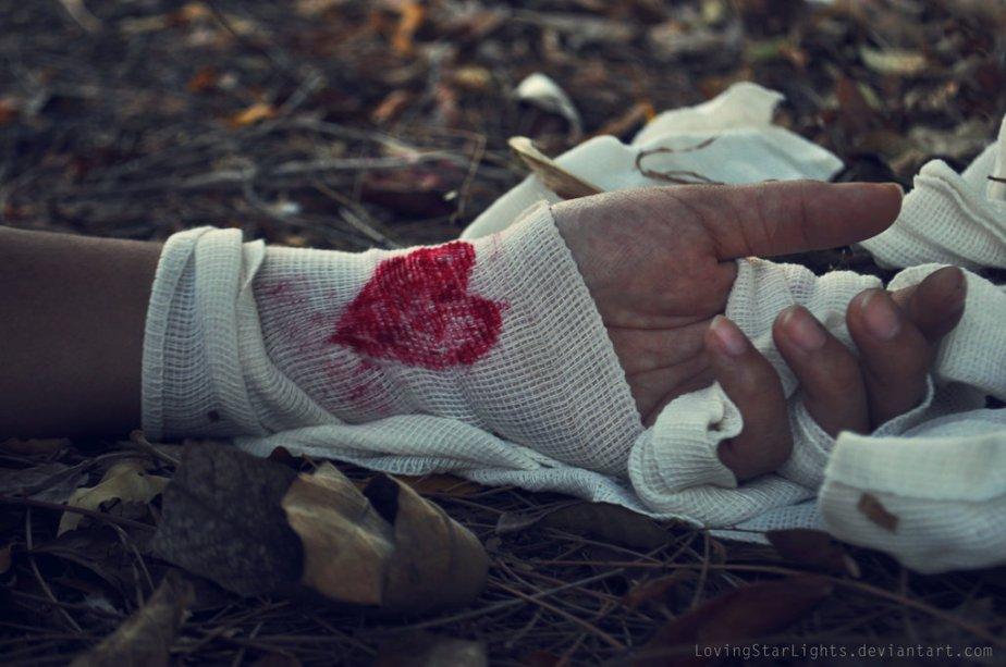 broken_heart_by_lovingstarlights-d62lbip
